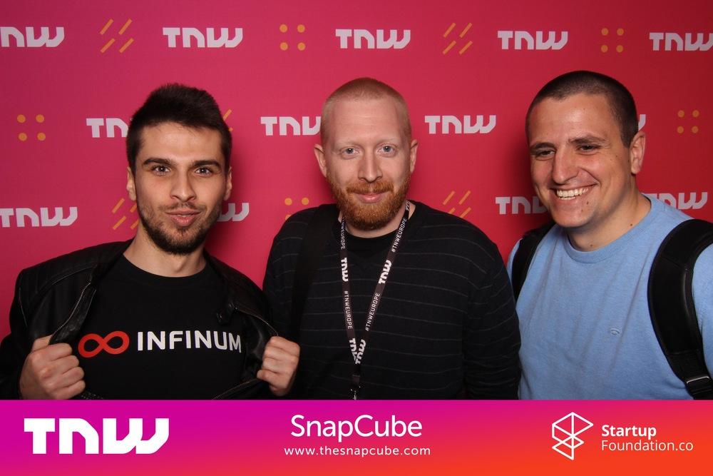 Goran Kovacevic Kova, Nikola Kapraljevic Nixa, Luka Maric, The Next web conference Snap Cube