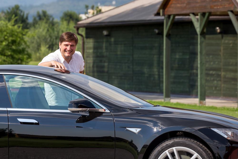 Saša Cvjetojević with his Tesla Model S